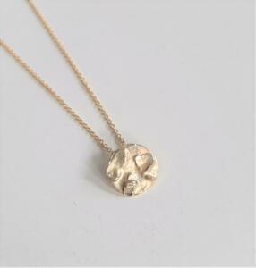 14 krt. gouden hanger € 175,00 excl. collier