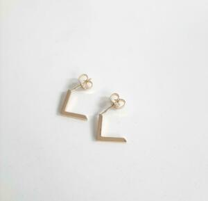 14 krt. gouden oorstekers € 249,00